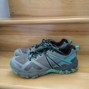 Merrell turquoise women's athletic shoes size 9.5